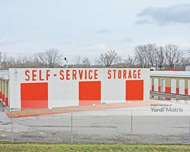Storage Units for Rent available at 1410 Frontage Road, O'fallon, IL 62269 Photo Gallery 1