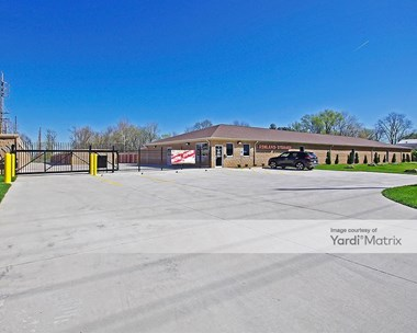 Storage Units for Rent available at 19 Ashland Avenue, Fairview Heights, IL 62208 Photo Gallery 1