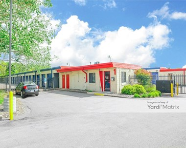 Storage Units for Rent available at 3238 North Highway 61 North, Vadnais Heights, MN 55110 Photo Gallery 1