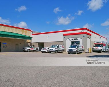 Storage Units for Rent available at 1630 West Highway 13, Burnsville, MN 55337 Photo Gallery 1