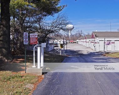Storage Units for Rent available at 6463 Center Grove Road, Edwardsville, IL 62025 Photo Gallery 1