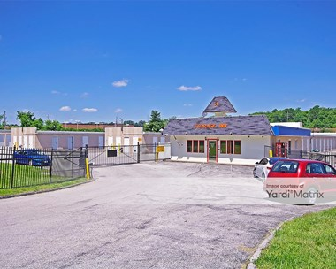 Storage Units for Rent available at 14086 Manchester Road, Ballwin, MO 63011 Photo Gallery 1