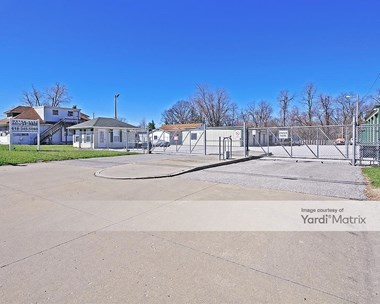 Storage Units for Rent available at 2215 Vandalia Street, Collinsville, IL 62234 Photo Gallery 1