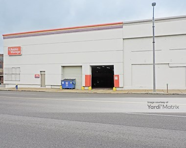 Storage Units for Rent available at 11 North Vandeventer Avenue, St. Louis, MO 63108 Photo Gallery 1