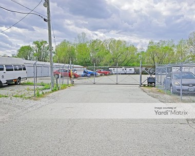Storage Units for Rent available at 3938 Mississippi Avenue, Cahokia, IL 62206 Photo Gallery 1