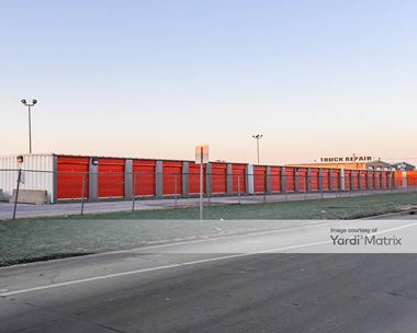 Storage Units for Rent available at 721 32nd Avenue, Council Bluffs, IA 51501 Photo Gallery 1