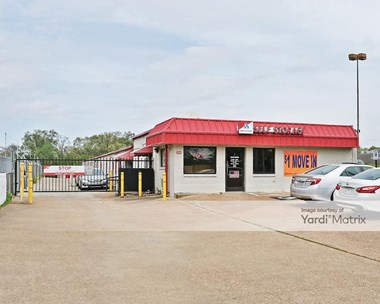Storage Units for Rent available at 6390 Winchester Road, Memphis, TN 38115 Photo Gallery 1