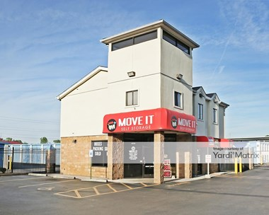 Storage Units for Rent available at 2700 Getwell Road, Memphis, TN 38118 Photo Gallery 1