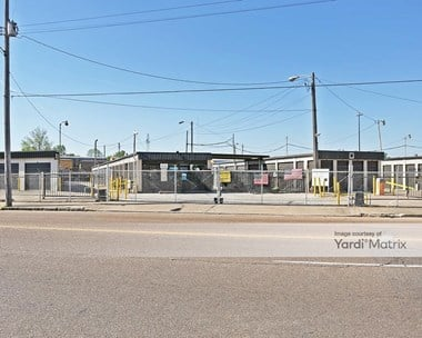 Storage Units for Rent available at 1449 Lamar Avenue, Memphis, TN 38104 Photo Gallery 1