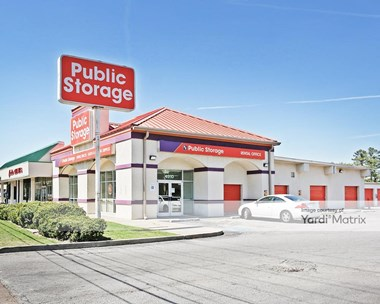 Storage Units for Rent available at 4910 Poplar Avenue, Memphis, TN 38117 Photo Gallery 1