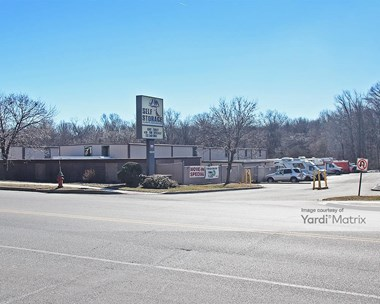 Storage Units for Rent available at 1939 Oak Tree Road, Edison, NJ 08820 Photo Gallery 1