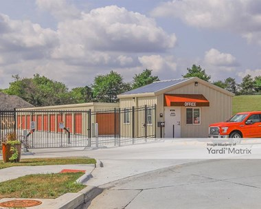 Storage Units for Rent available at 6726 North 87Th Circle, Omaha, NE 68122 Photo Gallery 1