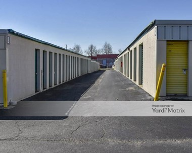 Storage Units for Rent available at 4175 Winchester Road, Memphis, TN 38118 Photo Gallery 1