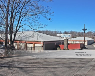 Storage Units for Rent available at 724 Old Post Road, Edison, NJ 08817 Photo Gallery 1