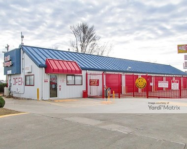 Storage Units for Rent available at 515 North Mustang Road, Yukon, OK 73099 Photo Gallery 1