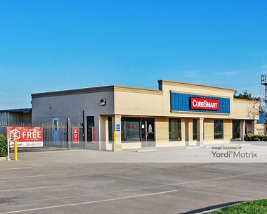 Storage Units for Rent available at 14333 North Santa Fe Avenue, Edmond, OK 73013 Photo Gallery 1