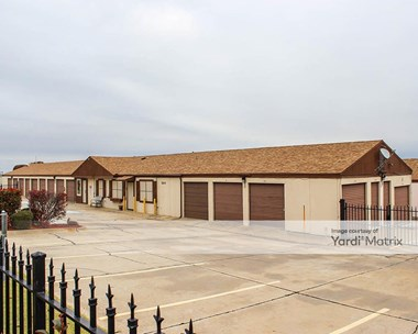 Storage Units for Rent available at 7600 North Rockwell Avenue, Oklahoma City, OK 73132 Photo Gallery 1