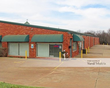 Storage Units for Rent available at 3221 East Memorial Road, Edmond, OK 73013 Photo Gallery 1