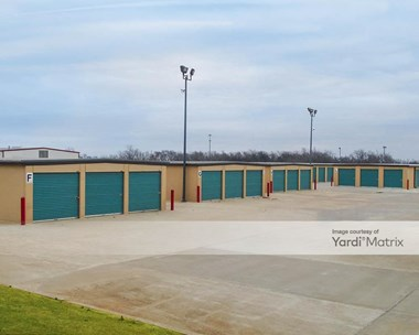Storage Units for Rent available at 2704 South Main Street, Newcastle, OK 73065 Photo Gallery 1
