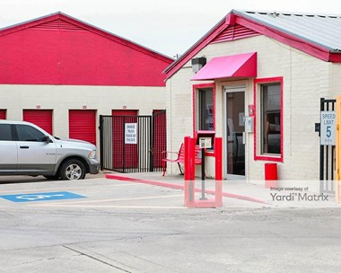 Storage Units for Rent available at 9809 SE 29th Street, Midwest City, OK 73130 Photo Gallery 1