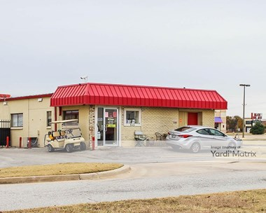 Storage Units for Rent available at 5110 NW 10th Street, Oklahoma City, OK 73127 Photo Gallery 1