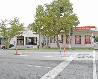 Storage Units for Rent available at 3440 Main Street, Kansas City, MO 64111 Photo Gallery 1