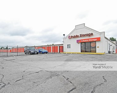 Storage Units for Rent available at 7900 Woodson Road, Raytown, MO 64138 Photo Gallery 1