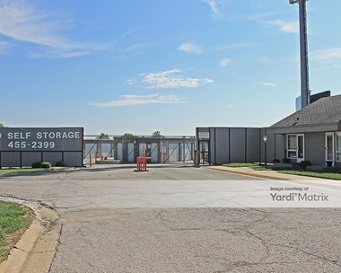 Storage Units for Rent available at 4121 NE Davidson Circle, Kansas City, MO 64116 Photo Gallery 1