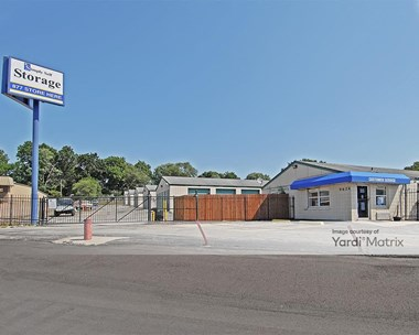 Storage Units for Rent available at 9624 East 350 Hwy, Raytown, MO 64133 Photo Gallery 1