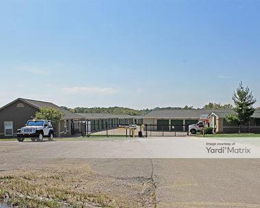 Storage Units for Rent available at 9200 North Oak Trfy, Kansas City, MO 64155 Photo Gallery 1