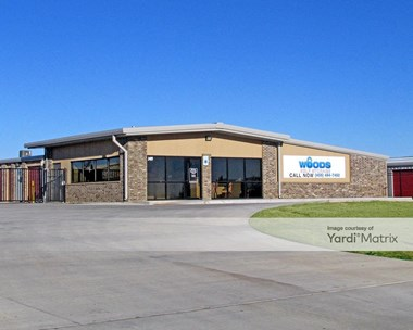 Storage Units for Rent available at 2409 North Sara Road, Yukon, OK 73099 Photo Gallery 1