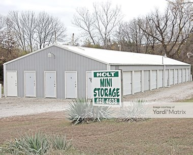 Storage Units for Rent available at 4901 SE Shoshone Drive, Kearney, MO 64060 Photo Gallery 1