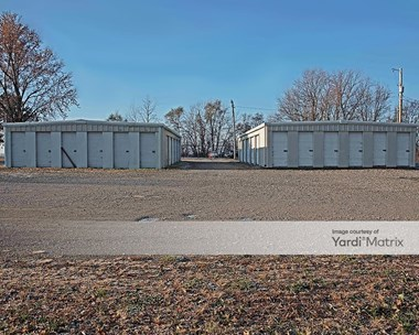 Storage Units for Rent available at 717 Jay Blvd, Henrietta, MO 64036 Photo Gallery 1