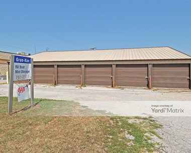 Storage Units for Rent available at 4500 Martha Truman Road, Kansas City, MO 64137 Photo Gallery 1