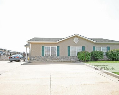 Storage Units for Rent available at 410 SW South Avenue, Blue Springs, MO 64014 Photo Gallery 1