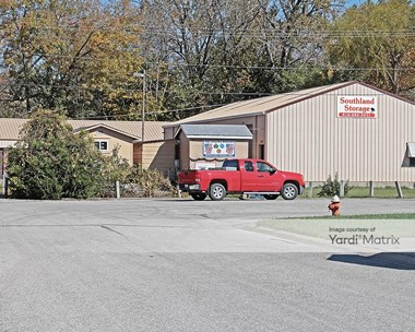 Storage Units for Rent available at 2002 Southland East Etc Road, Harrisonville, MO 64701 Photo Gallery 1