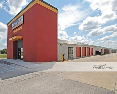 Storage Units for Rent available at 465 SE Oldham Pkwy, Lees Summit, MO 64081 Photo Gallery 1