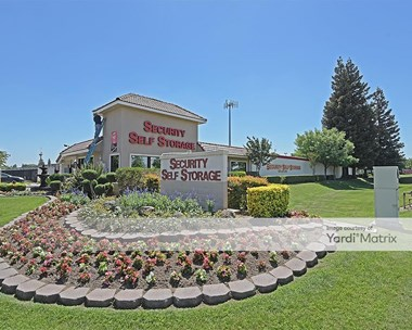 Storage Units for Rent available at 6601 West Goshen Avenue, Visalia, CA 93291 Photo Gallery 1