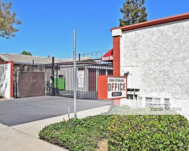 Storage Units for Rent available at 3937 East Orangeburg Avenue, Modesto, CA 95355 Photo Gallery 1