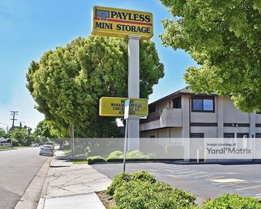 Storage Units for Rent available at 633 West Swain Road, Stockton, CA 95207 Photo Gallery 1