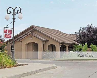 Storage Units for Rent available at 3245 South Chestnut Avenue, Fresno, CA 93725 Photo Gallery 1