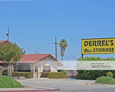 Storage Units for Rent available at 1385 North Maple Avenue, Fresno, CA 93703 Photo Gallery 1