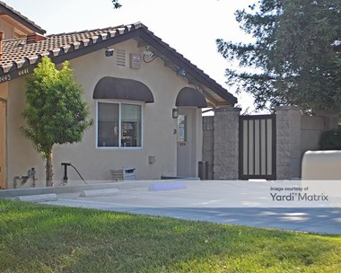Storage Units for Rent available at 4441 West Herndon Avenue, Fresno, CA 93722 Photo Gallery 1