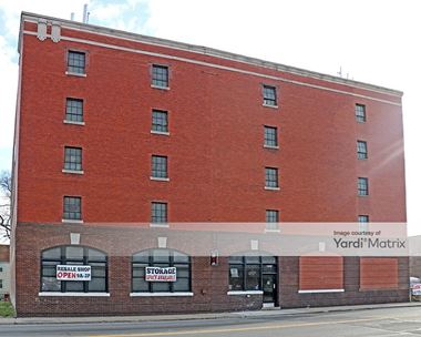 Storage Units for Rent available at 7930 Mack Avenue, Detroit, MI 48214 Photo Gallery 1