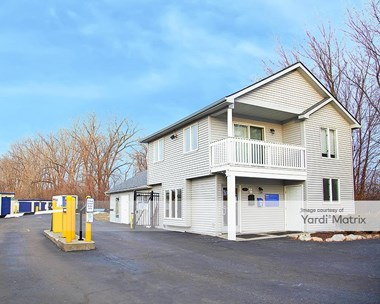 Storage Units for Rent available at 2570 Crooks Road, Rochester Hills, MI 48309 Photo Gallery 1