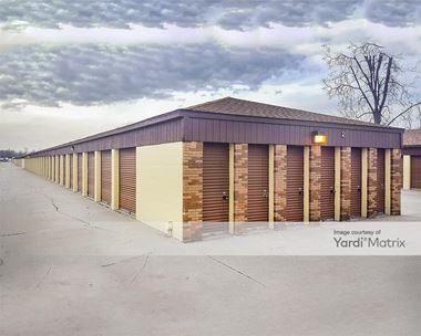 Storage Units for Rent available at 54561 Gratiot Avenue, Chesterfield Township, MI 48051 Photo Gallery 1