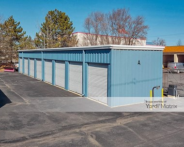 Storage Units for Rent available at 5279 Dixie Hwy, Waterford, MI 48329 Photo Gallery 1
