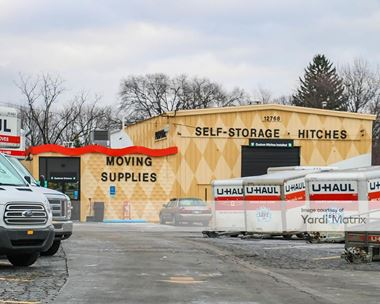 Storage Units for Rent available at 12768 Inkster Road, Redford, MI 48239 Photo Gallery 1