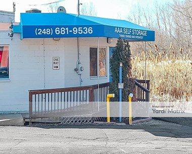 Storage Units for Rent available at 4275 Highland Road, Waterford, MI 48328 Photo Gallery 1