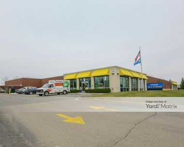 Storage Units for Rent available at 40900 Grand River Avenue, Novi, MI 48375 Photo Gallery 1